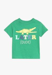GAP - TODDLER BOY - T-shirt imprimé - parrot green - 0