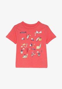 GAP - TODDLER BOY TEE - T-shirt z nadrukiem - cayenne - 2