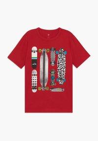 GAP - BOY  - Camiseta estampada - modern red - 0