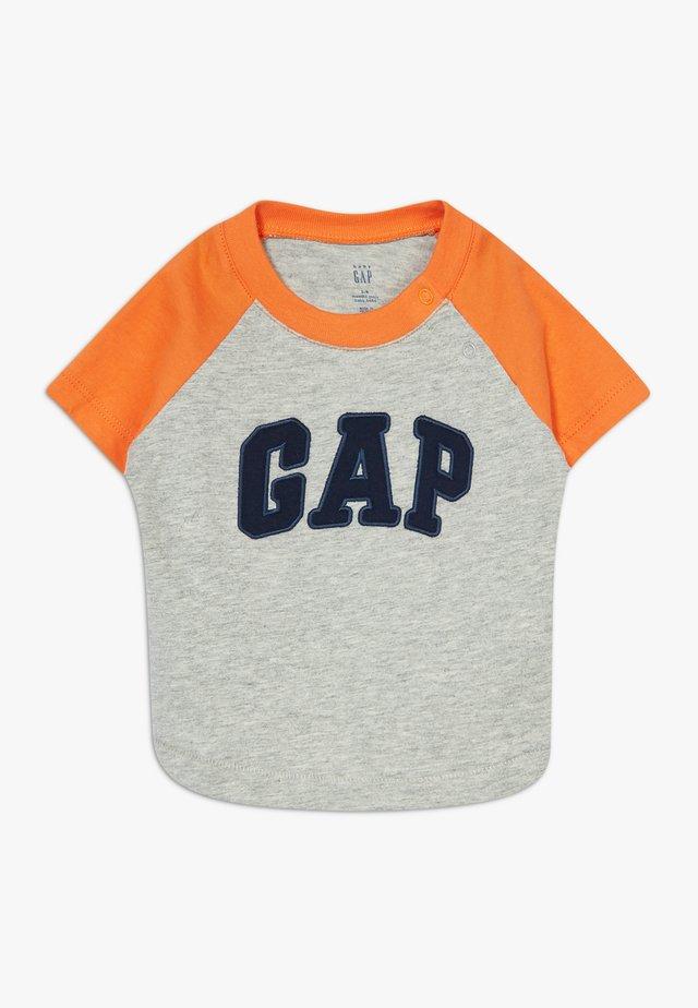 GARCH - Camiseta estampada - light heather grey