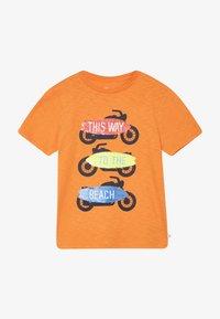 GAP - BOY FLIPPY TEE - T-shirt print - scorch - 3