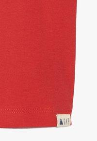 GAP - TODDLER BOY LOGO  - Print T-shirt - pure red - 4