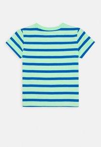 GAP - TODDLER BOY GRAPHICS - Print T-shirt - neon green - 1