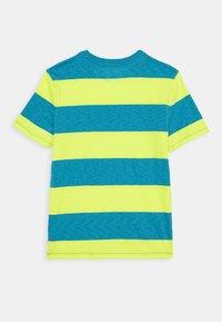 GAP - BOY CREW - Print T-shirt - vibrating yellow - 1
