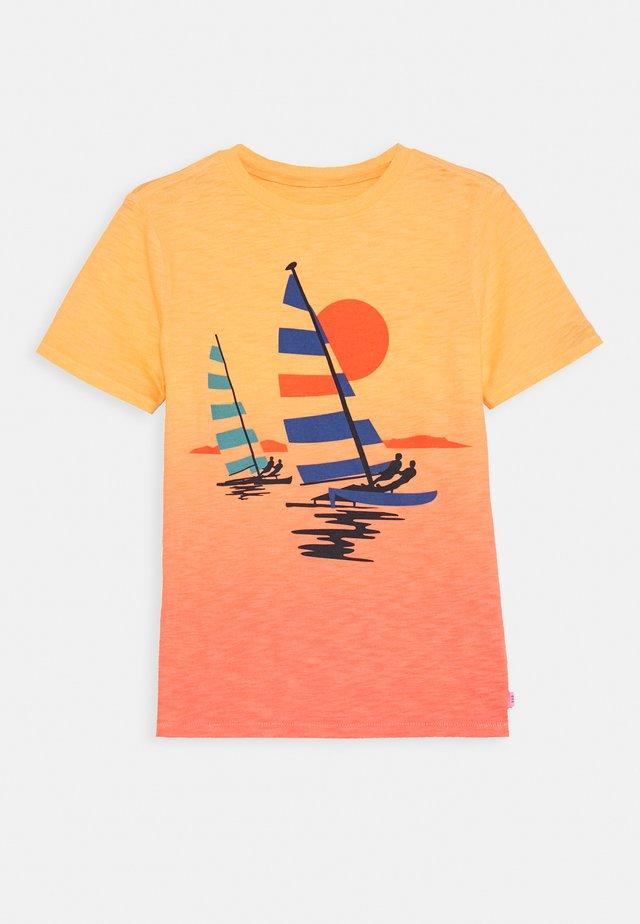 BOY ISLAND - T-shirt con stampa - icy orange