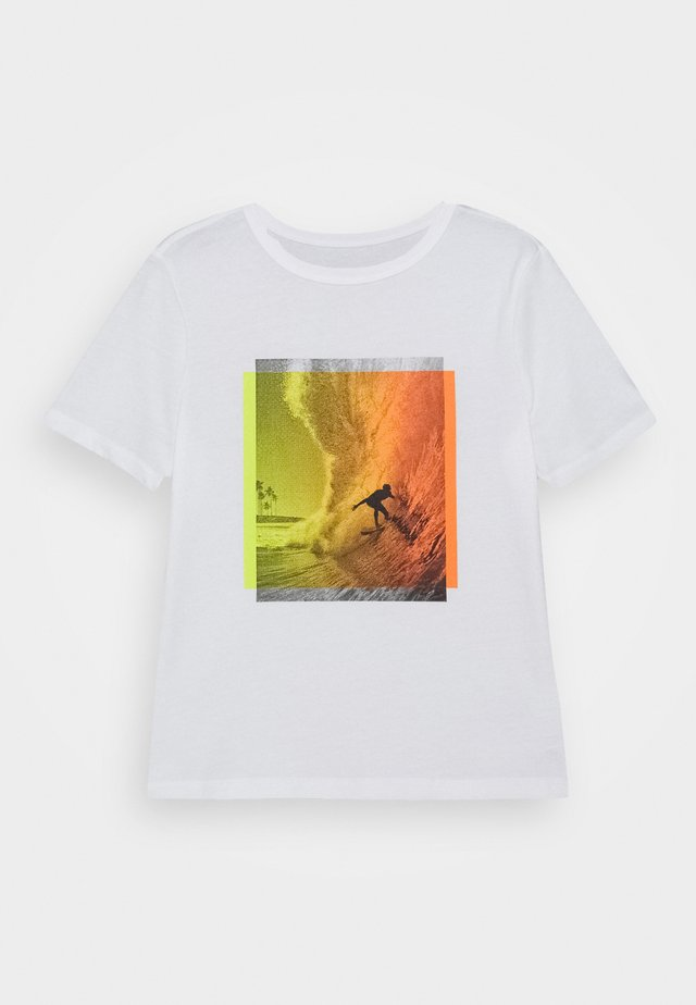 BOYS VALUE GRAPHIC - Print T-shirt - surfers