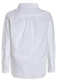 GAP - BAS OXFORD - Overhemd - white - 1