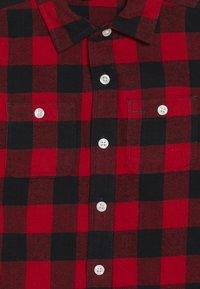 GAP - TODDLER BOY BUFF PLAID - Košile - modern red - 3