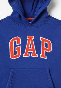 GAP - BOYS ACTIVE ARCH  - Bluza z kapturem - brilliant blue - 5