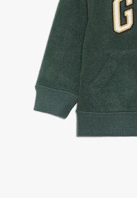 GAP - TODDLER BOY - Fleecová bunda - evergreen - 2