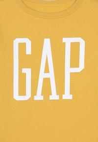 GAP - BOY LOGO - Sudadera - dark yellow - 4
