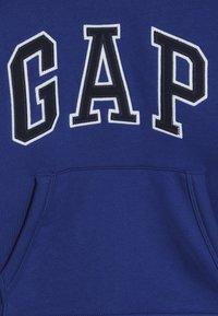 GAP - BOY LOGO HOOD - Hoodie - brilliant blue - 4