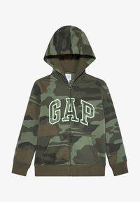 GAP - BOY ARCH CAMO - Hoodie met rits - green - 2