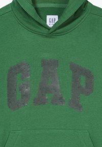GAP - BOY FLIPPY ARCH - Sweatshirt - island palm - 4