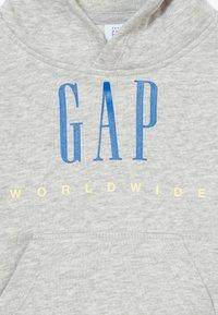 GAP - TODDLER BOY FAMILY MOMENT HOOD - Hoodie - light heather grey - 4