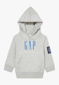 GAP - TODDLER BOY FAMILY MOMENT HOOD - Hoodie - light heather grey - 0