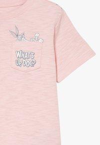 GAP - TODDLER BOY BUNNY  - T-shirt imprimé - minimal pink - 4