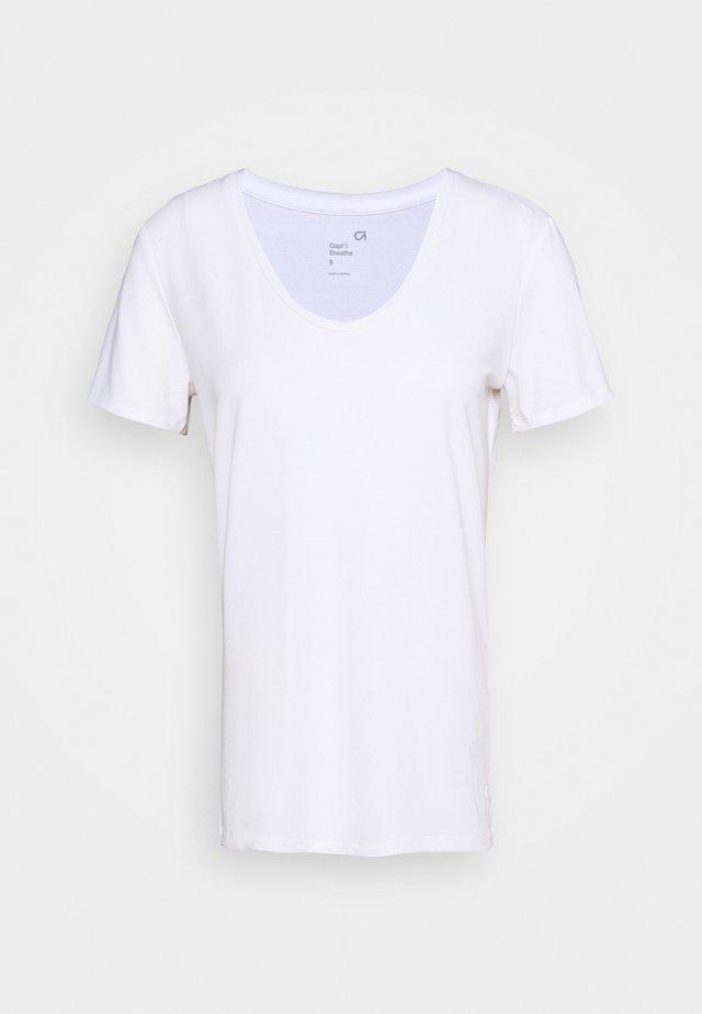 BREATHE NECK TEE - Basic T-shirt - optic white