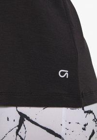 GAP - BREATHE NECK TEE - Basic T-shirt - true black - 5