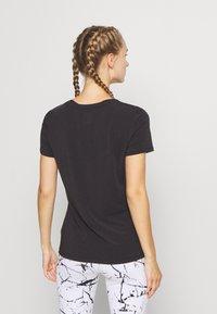 GAP - BREATHE NECK TEE - Basic T-shirt - true black - 2