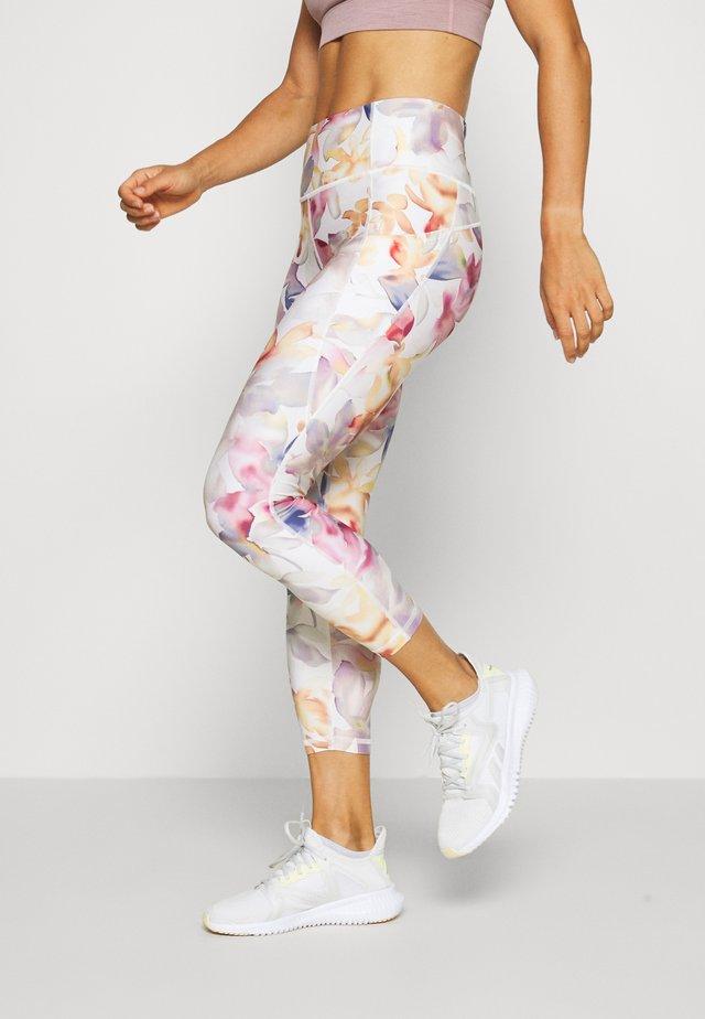 SIDE POCKET ANKLE PANT - Leggings - white
