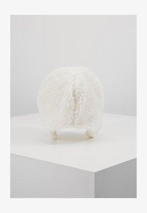 TODDLER GIRL BEAR SET - Huer - ivory frost