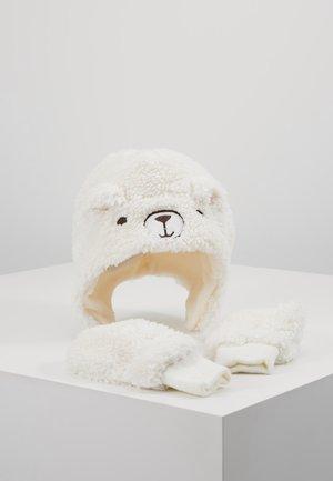 TODDLER GIRL BEAR SET - Bonnet - ivory frost