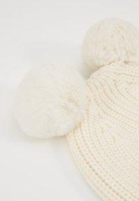 GAP - POM BABY - Muts - ivory frost - 4
