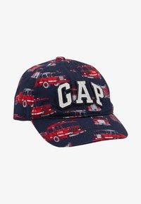 GAP - LOGO - Lippalakki - red - 1