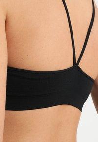 GAP - SEAMLESS RACERBACK BRALETTE - Top - true black - 4
