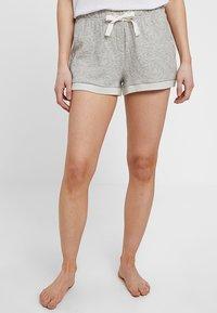 GAP - ROLL UP SHORT - Spodnie od piżamy - light heather grey - 0