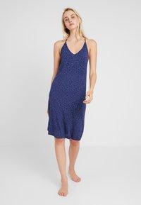 GAP - STRAPPY DRESS - Noční košile - cheetah blue - 0