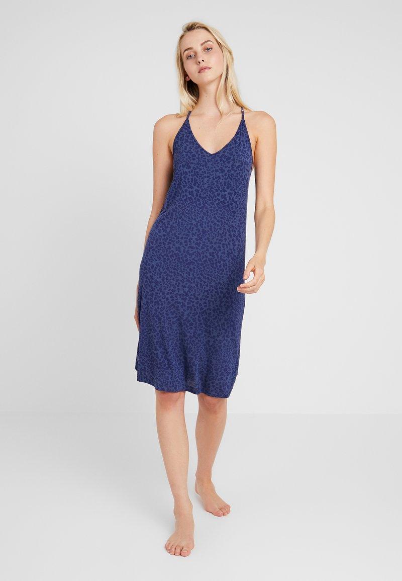 GAP - STRAPPY DRESS - Noční košile - cheetah blue