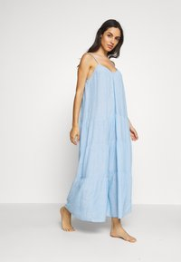 GAP - CRINKLE TIER DRESS - Negligé - new french blue - 0