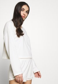 GAP - LOUNGE  - Pyjamasoverdel - milk - 3