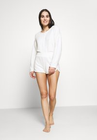GAP - LOUNGE  - Pyjamasoverdel - milk - 1