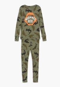 GAP - BOY BITE - Pijama - army camo - 0