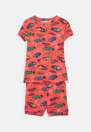 TODDLER BOY RACECARS - Pijama - fire coral