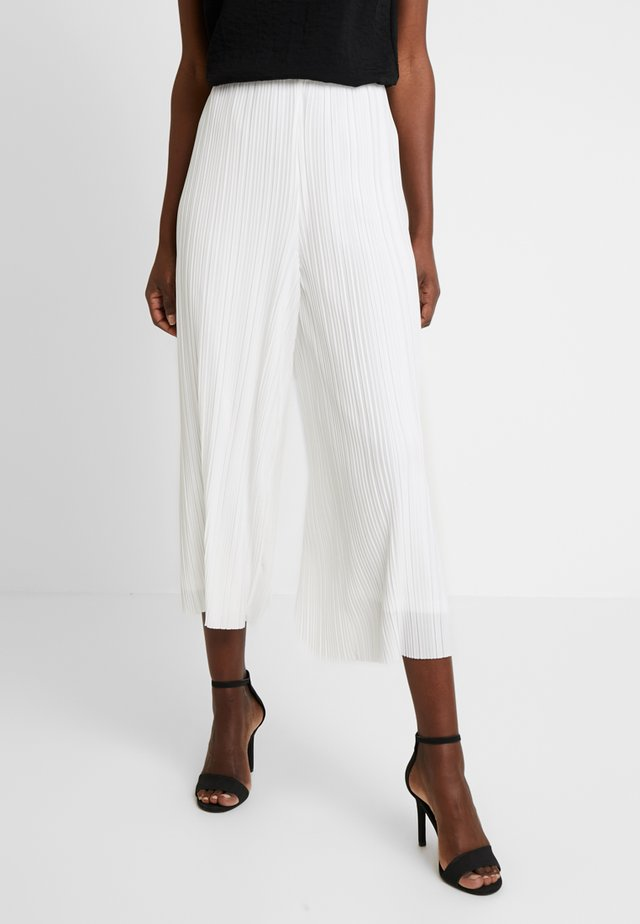 PAOLA PLEAT TROUSER            - Stoffhose - milk