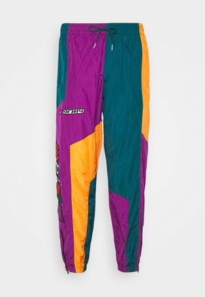 ACKNOWLEDGE TRACK PANTS - Tracksuit bottoms - green
