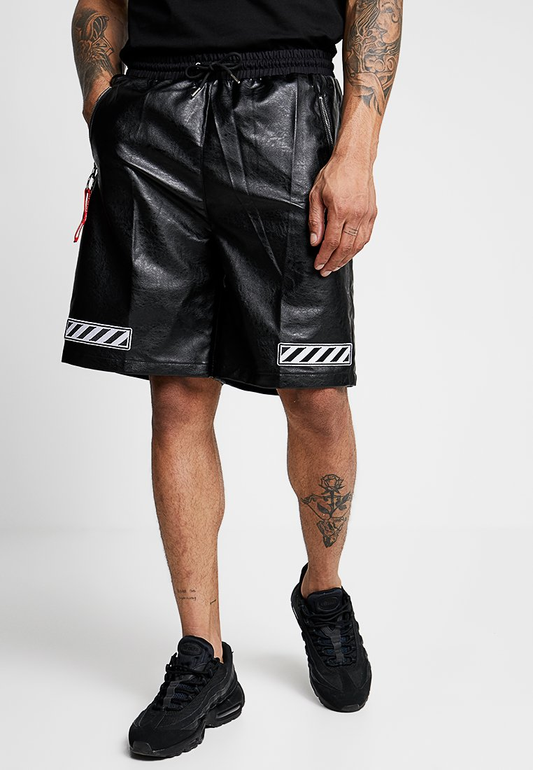 MWM - Shorts - black