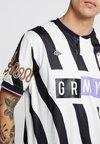 Grimey - LA SOMBRA SOCCER TEE - Print T-shirt - black