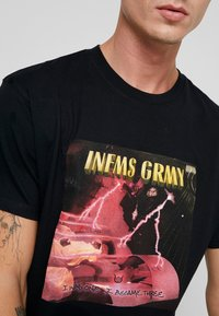 Grimey - NAMLU'U TEE - Print T-shirt - black - 5