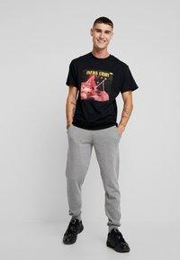 Grimey - NAMLU'U TEE - Print T-shirt - black - 1