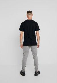 Grimey - NAMLU'U TEE - Print T-shirt - black - 2