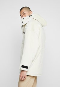 Grimey - SIGHTING IN VOSTOK  - Parkas - white - 3