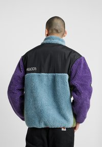 Grimey - SIGHTING IN VOSTOK SHERPA JACKET - Lehká bunda - purple - 2