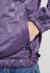 Grimey - SIGHTING IN VOSTOK TRACK JACKET - Giacca sportiva - purple - 4