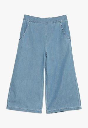 SARA CULOTTE PANT POCKETS - Široké džíny - light denim