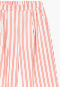 Grunt - ALO  Croped - Trousers - coral/white - 3
